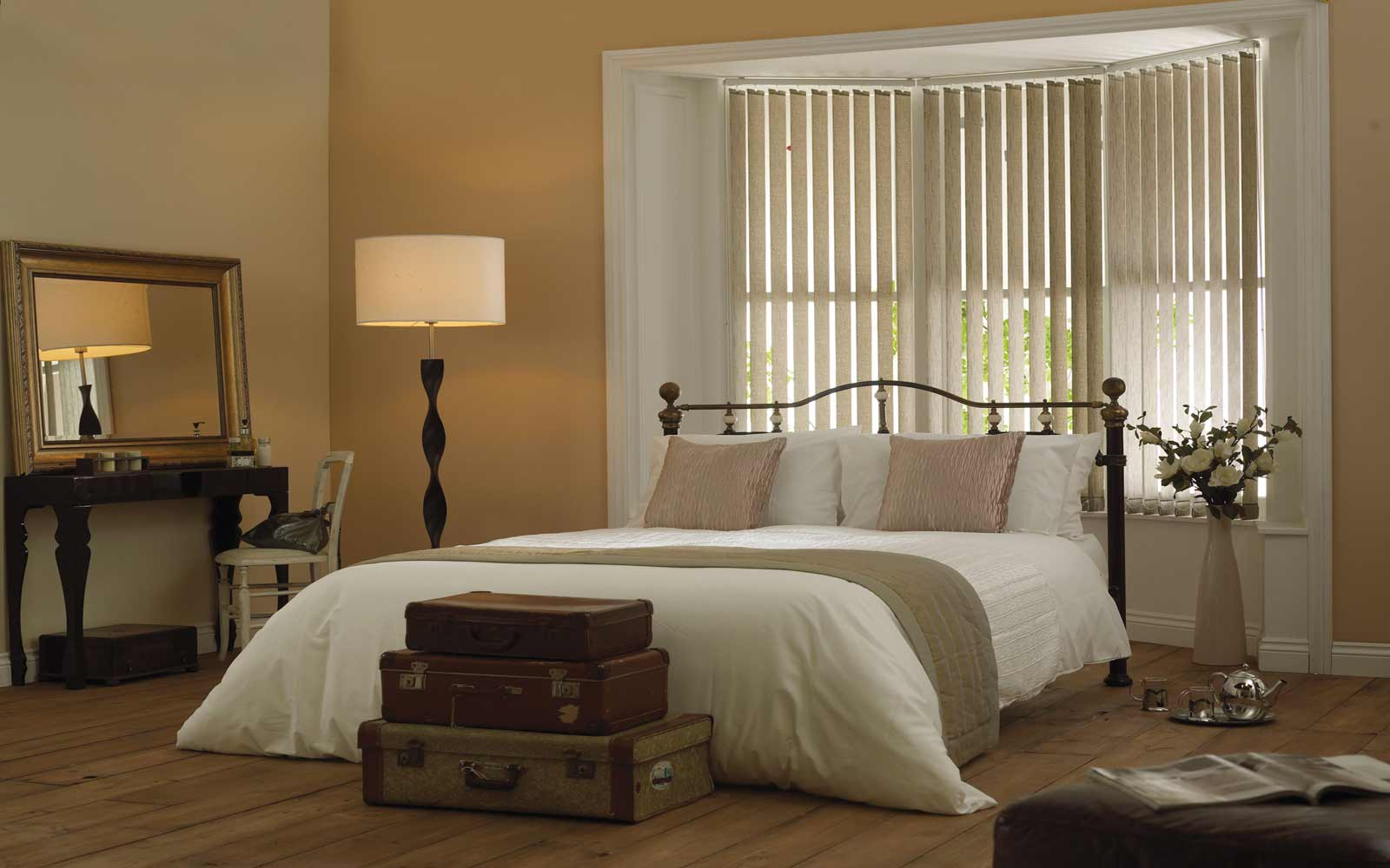 Bay window bedroom vertical blinds surrey blinds shutters for Best blinds for bedroom