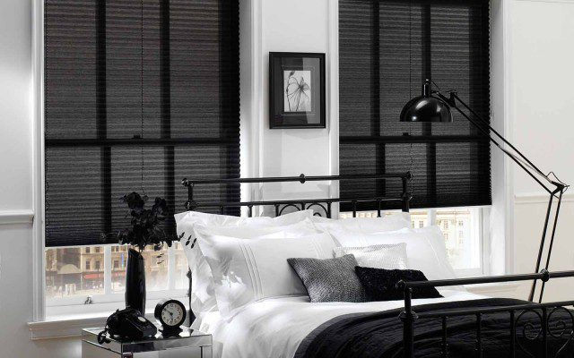 Pleated-Voile-Black-Blinds-Bedroom