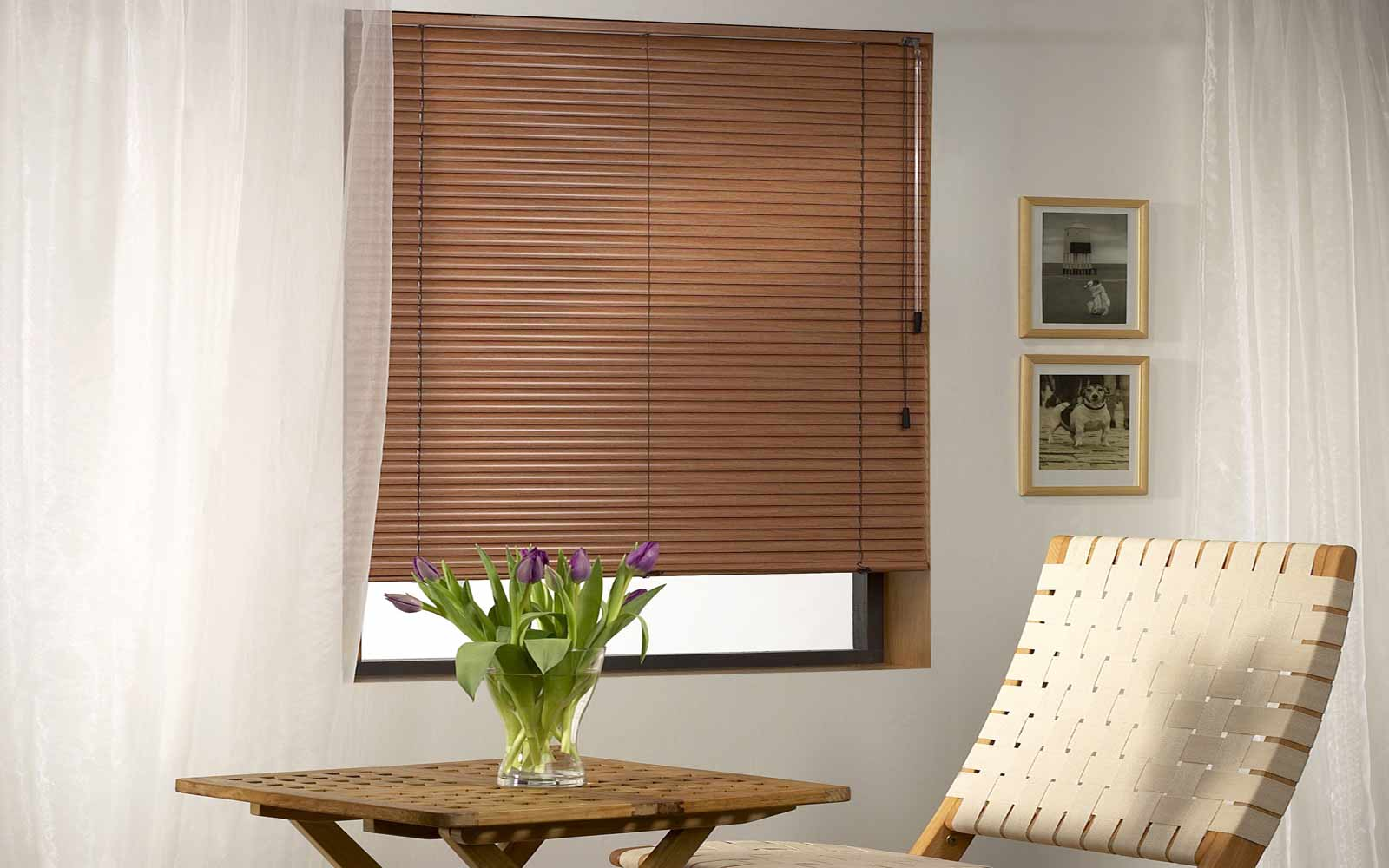 Wood-Effect-Aluminium-Venetian-Blinds