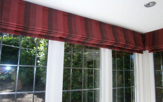 Striped-Red-Roman-Blind-Bay-Window