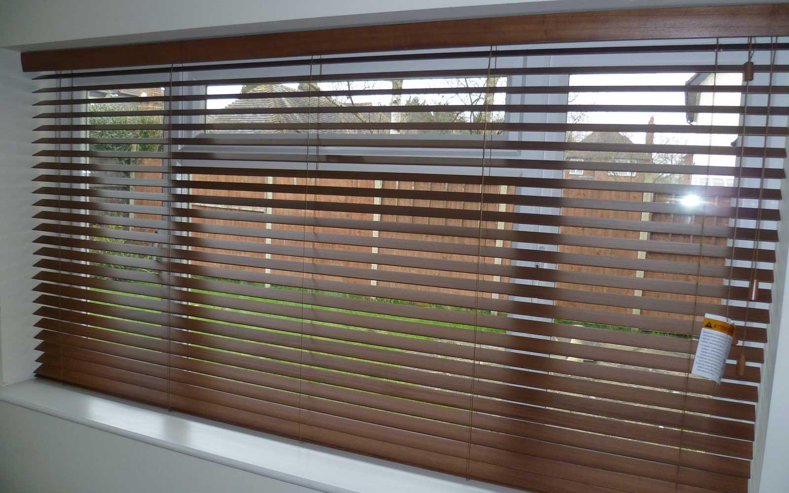 privacy wooden venetian blinds