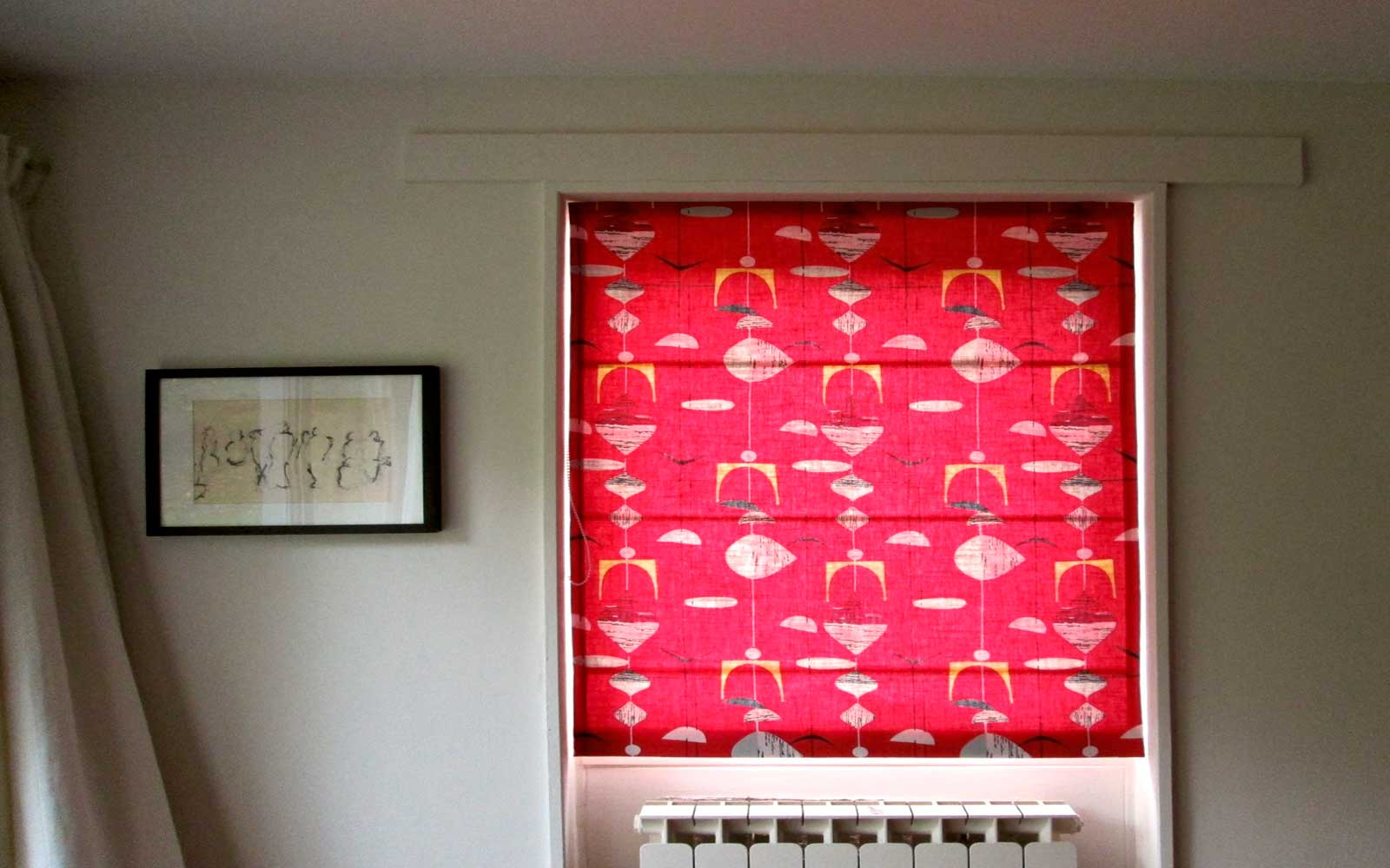 Pattern_Red_Roman_Blind