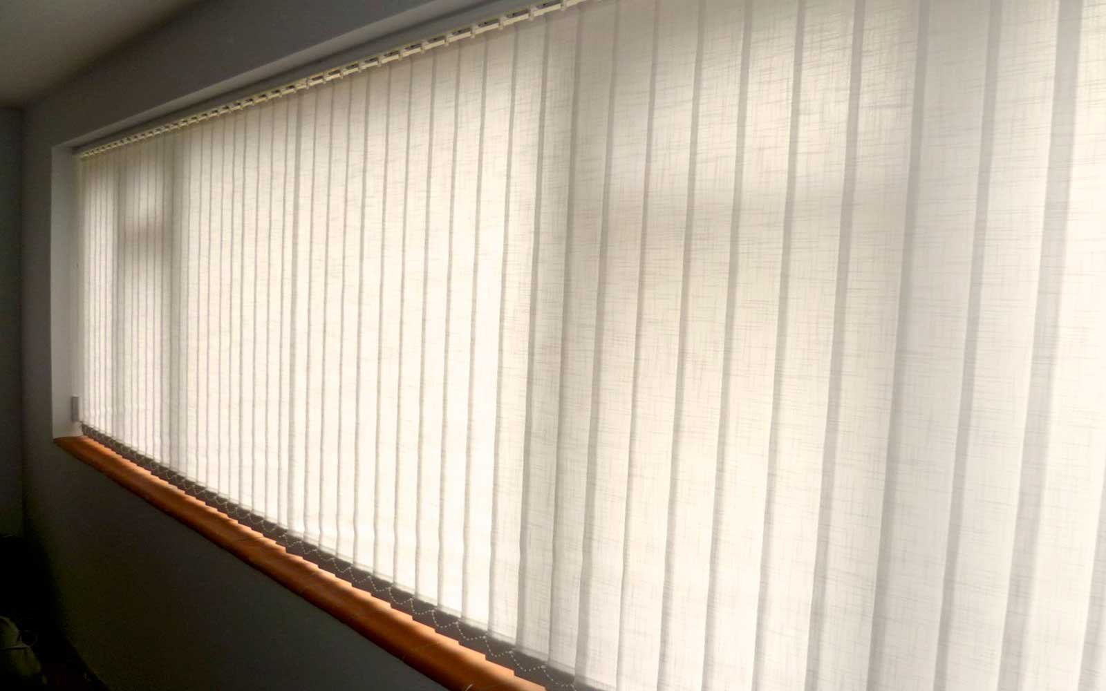 Vertical_Blind_in_Office