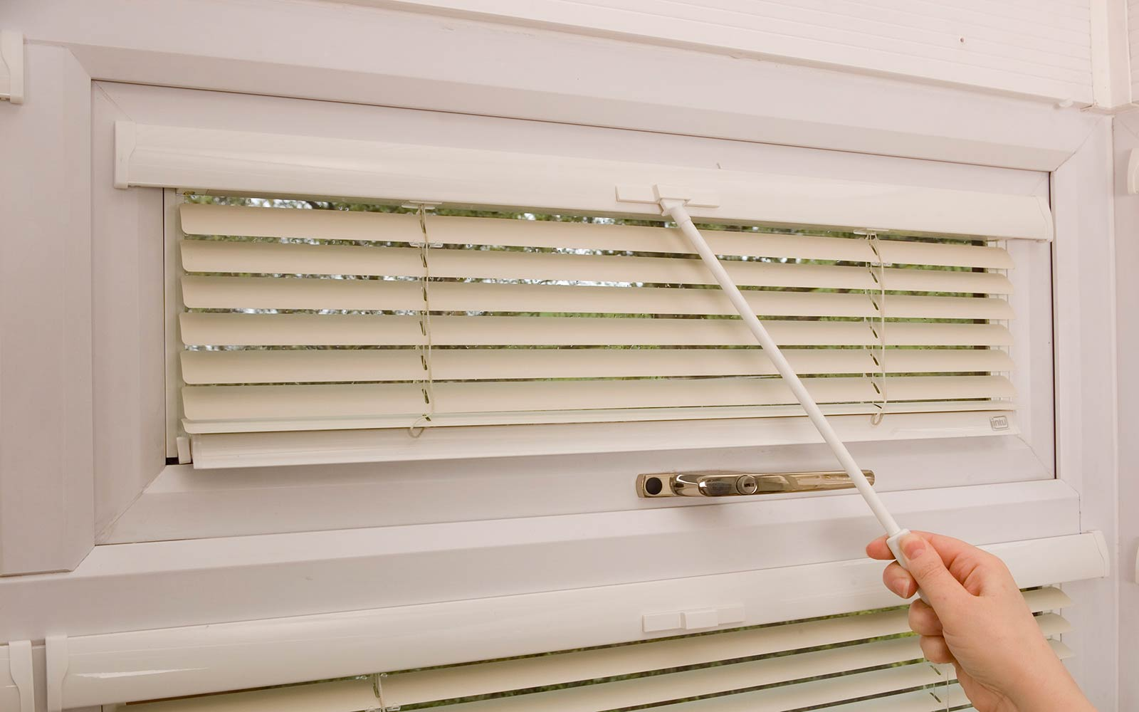 Wand Operated Intu Aluminium Blinds