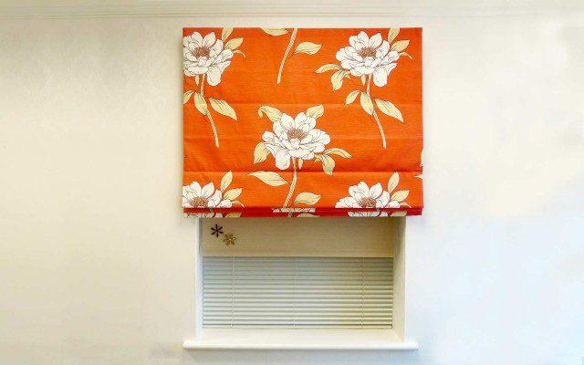 Roman-pattern-red-flowers-roller-window-three_Aluminium