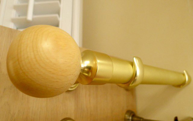 Natural_globe_curtain_pole_Brass