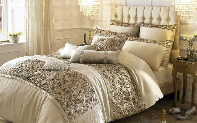 Kylie_Alexa_Gold_Bedding