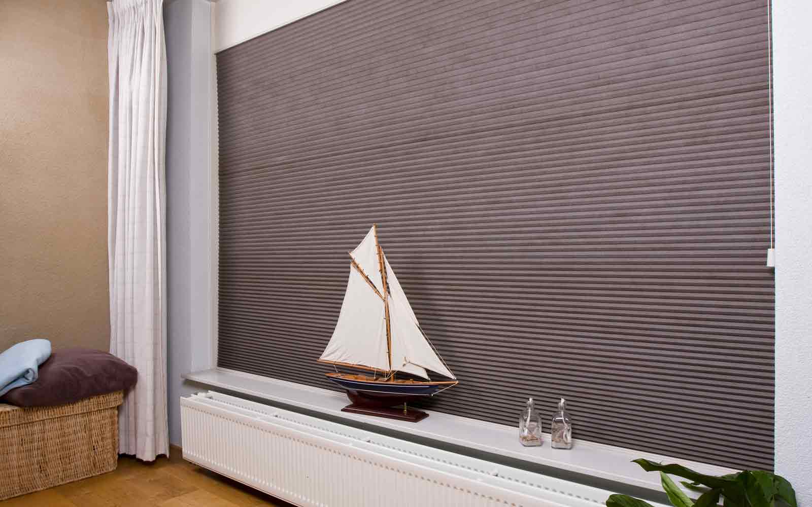 Noise Reducing Pleated Blinds
