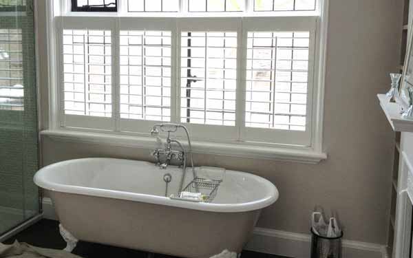 Cafe Style Bathroom Plantation Shutters